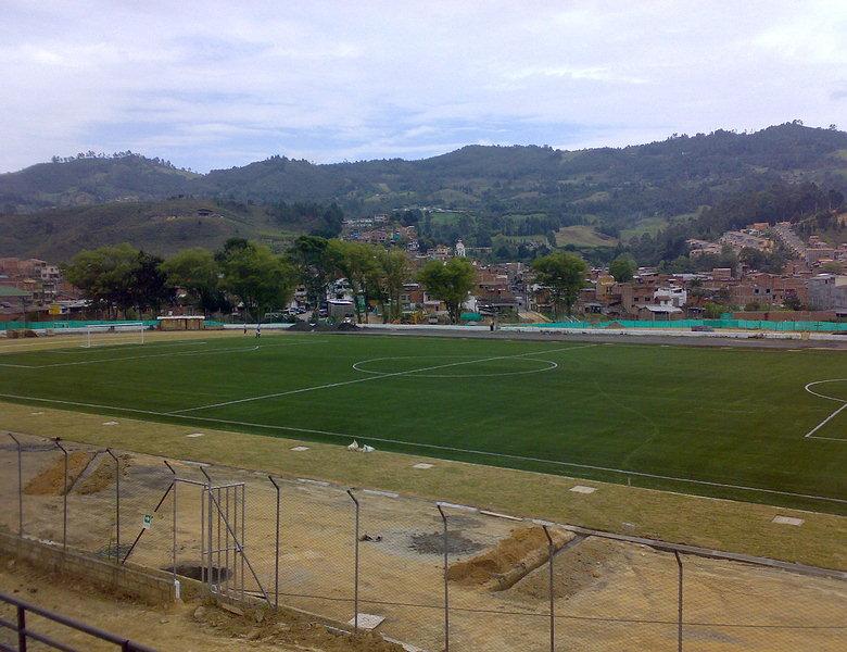 Estadio la equidad guarne gramas sinteticas cesped - Cesped artificial colombia ...